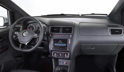 Volkswagen CrossFox 2016 interior