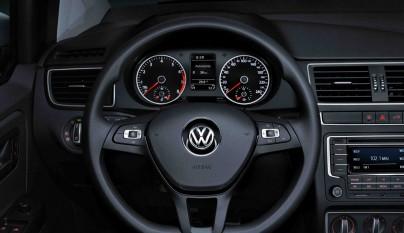 Volkswagen CrossFox 2016 volante