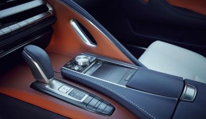 Lexus LC 500h 23