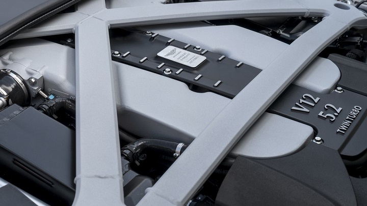 Aston Martin DB11 7