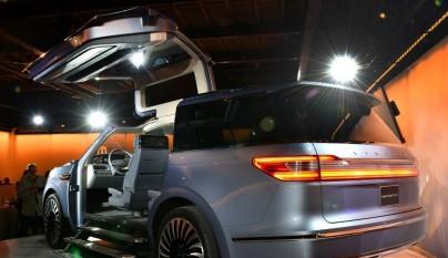 Lincoln Navigator Concept 10