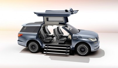 Lincoln Navigator Concept 7