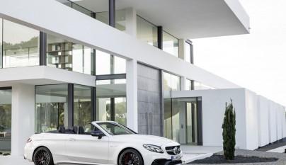 Mercedes-AMG C 63 Cabrio aparcado 3