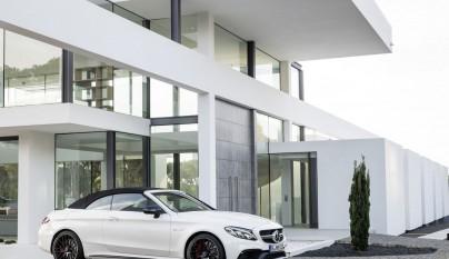 Mercedes-AMG C 63 Cabrio aparcado 4