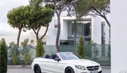 Mercedes-AMG C 63 Cabrio aparcado