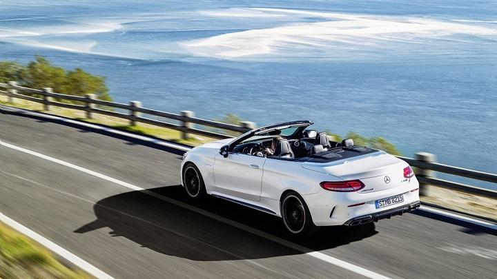 Mercedes-AMG C 63 Cabrio zaga tres cuartos
