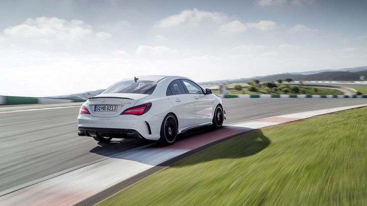 Mercedes-AMG CLA 45 4MATIC 9