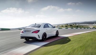 Mercedes-AMG CLA 45 4MATIC 9