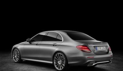 Mercedes-Benz Clase E gris 4