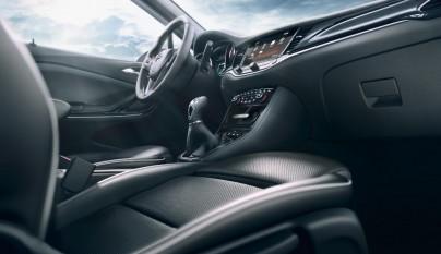 Opel Astra Sports Tourer interior 2