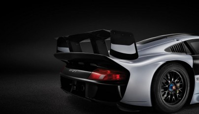 Porsche 911 GT1 Evolution 10