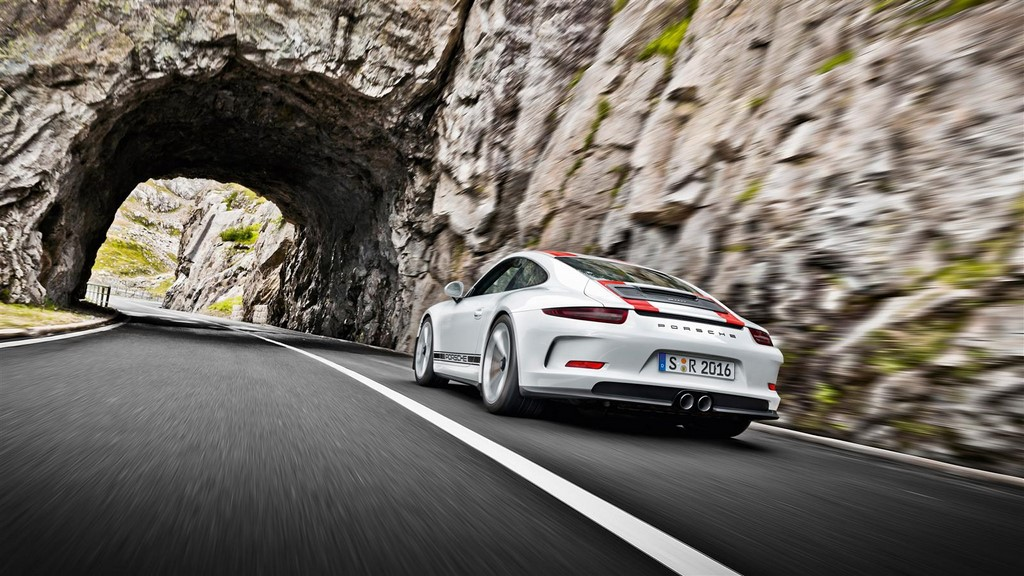 Porsche 911 R 14