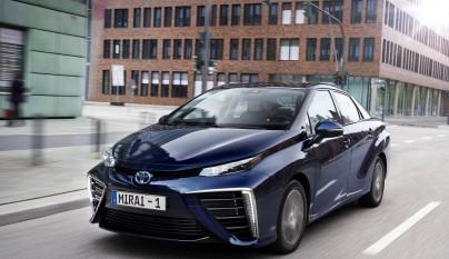Toyota Mirai frontal tres cuartos