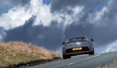 Aston Martin V12 Vantage S 2017 21