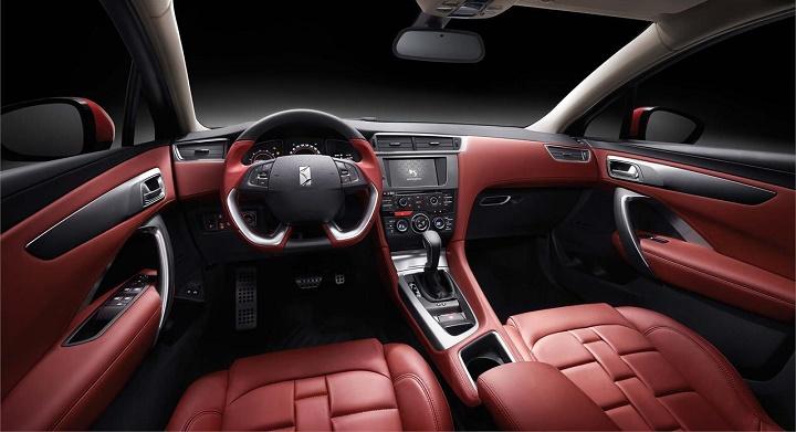 DS 4S interior