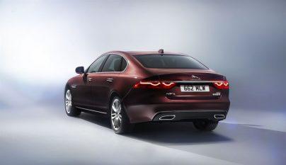 Jaguar XFL 4