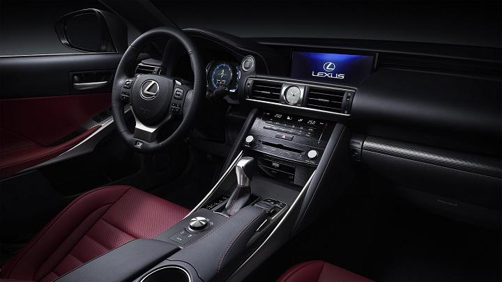 Lexus IS 2017 interior
