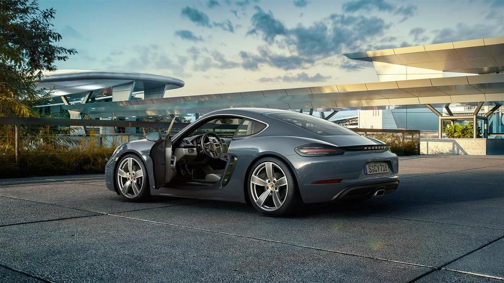Porsche 718 Cayman 6