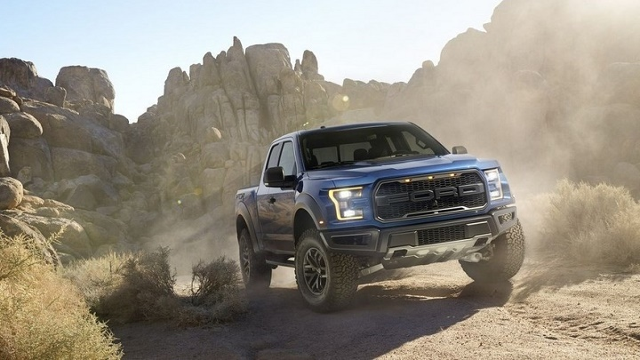 Ford F-150 Raptor azul