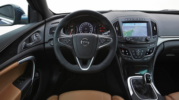 Opel Insignia Innovative Edition interior