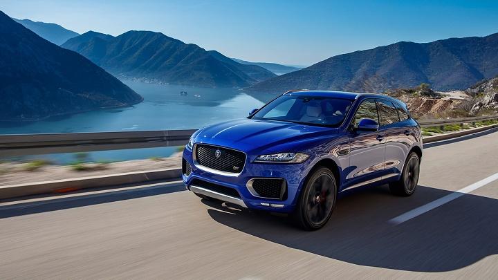 Jaguar F-Pace azul