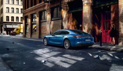 Porsche Panamera 4S 5