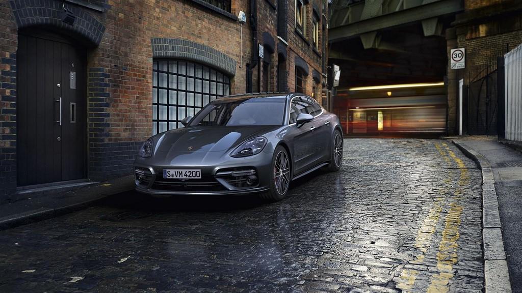Porsche Panamera Turbo 12