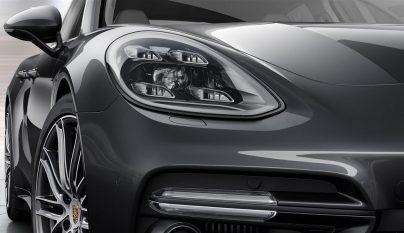 Porsche Panamera Turbo 16