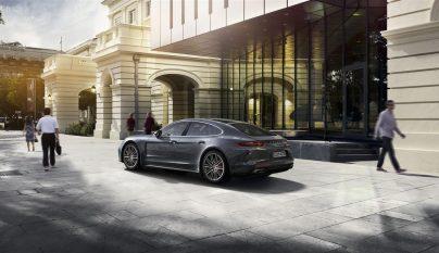 Porsche Panamera Turbo 4