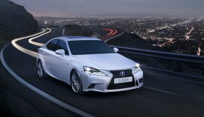 Lexus IS frontal