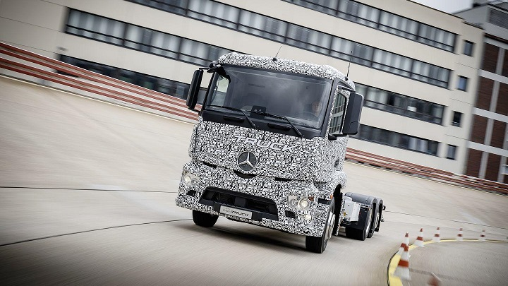 Mercedes Benz Urban e Truck1