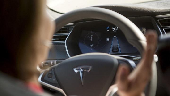 Tesla hackeado