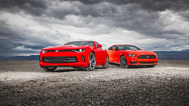 chevrolet-camaro-vs-ford-mustang