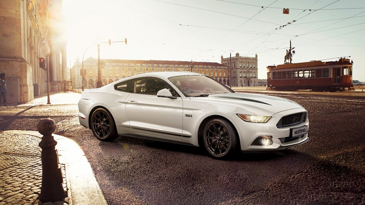 ford-mustang-black-shadow-edition