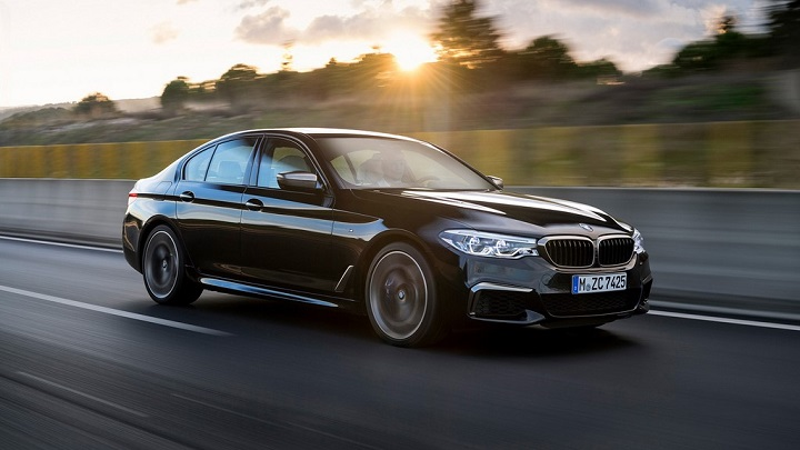 BMW-M550i-xDrive frontal