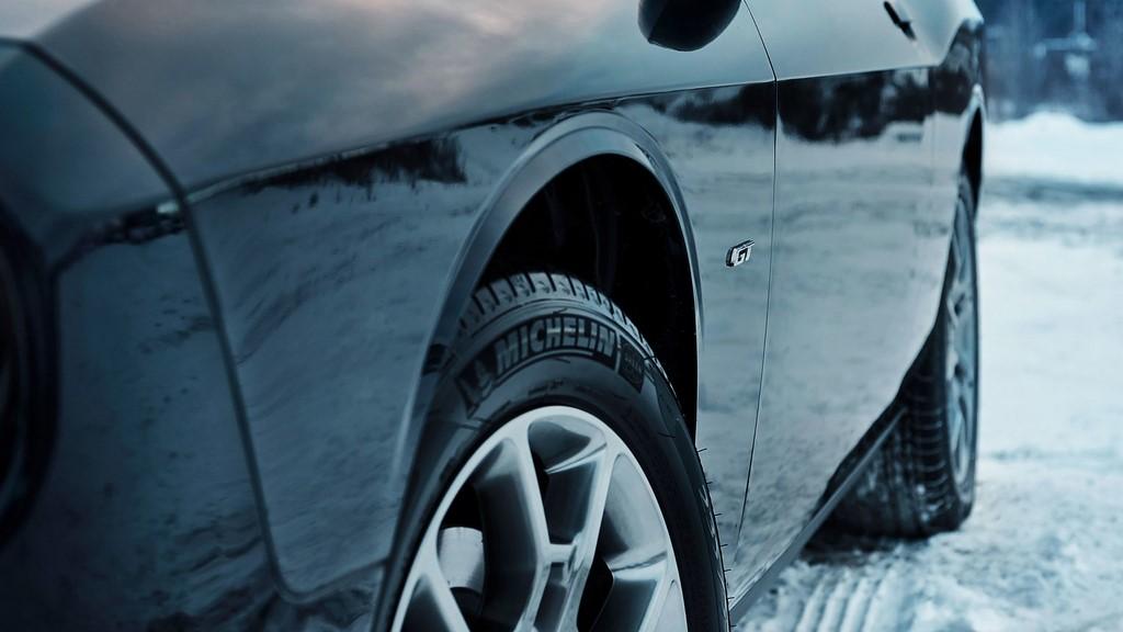 Dodge-Challenger-GT-2