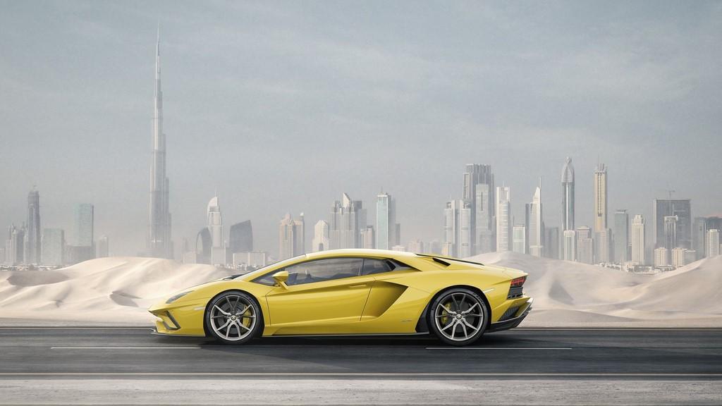 Lamborghini-Aventador-S lateral