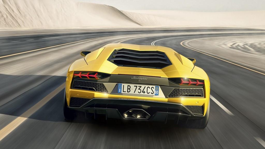 Lamborghini-Aventador-S zaga