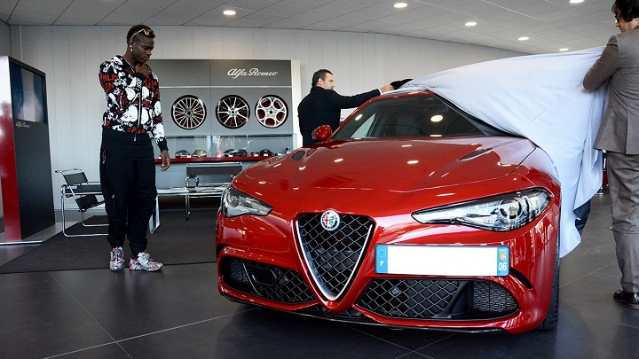 Mario-Balotelli-Alfa-Romeo-Giulia-Quadrifoglio-Verde