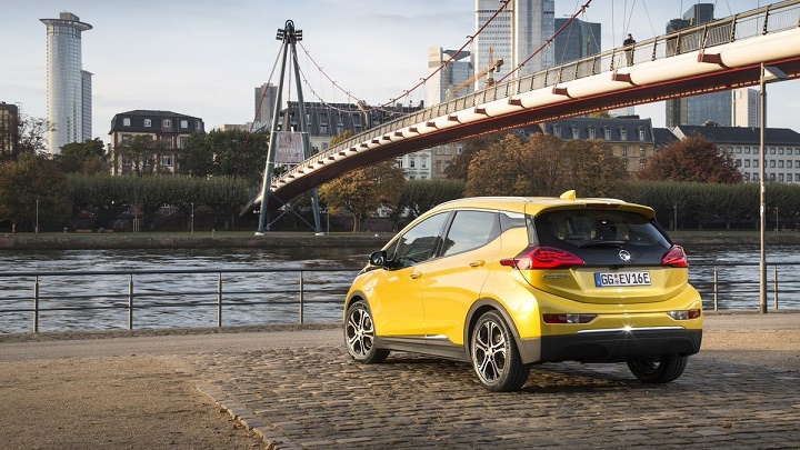 Opel-Ampera-e-zaga