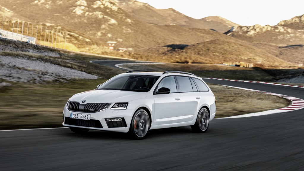 Skoda-Octavia-RS-2017-frontal