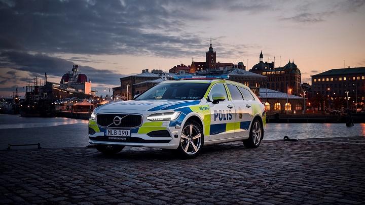 Volvo-V90-policia-sueca-1