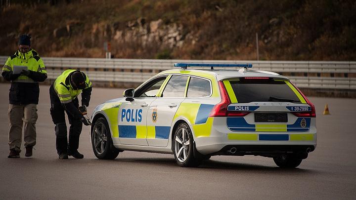 Volvo-V90-policia-sueca-2