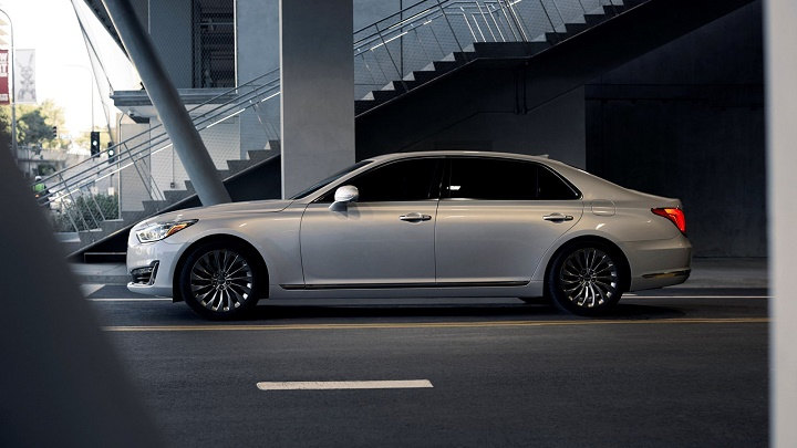 Hyundai-Genesis-lateral