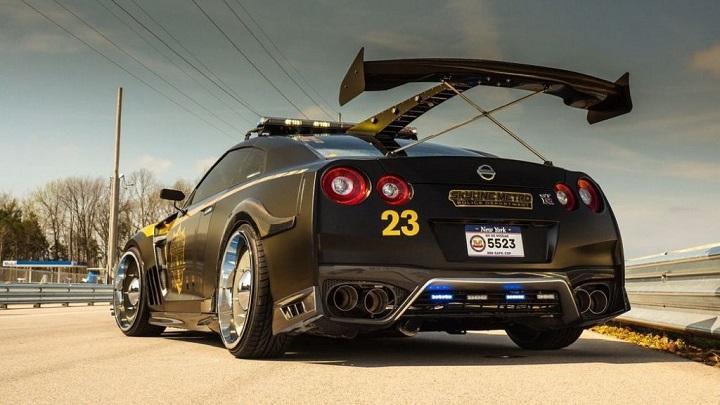 Nissan-GT-R-Copzilla