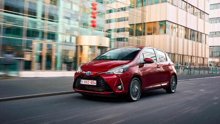 Toyota-Yaris-2017-en-movimiento
