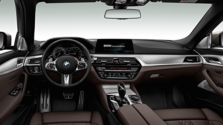 BMW-M550d-xDrive-interior