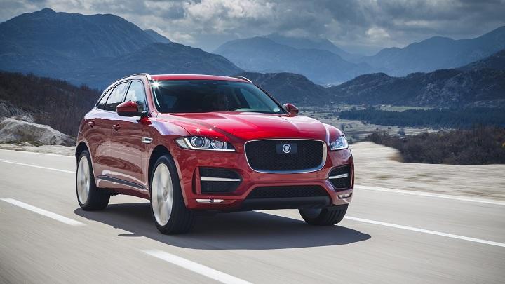 Jaguar-F-PACE-rojo