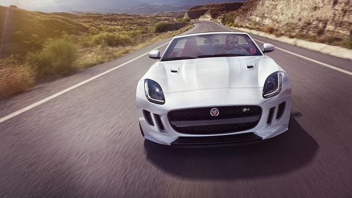 Jaguar-F-Type-blanco