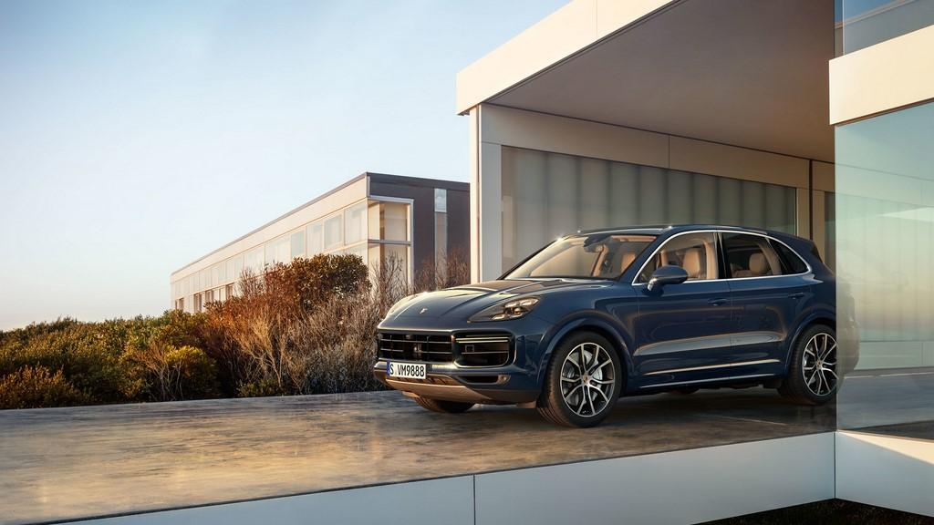 Porsche-Cayenne-Turbo-2018